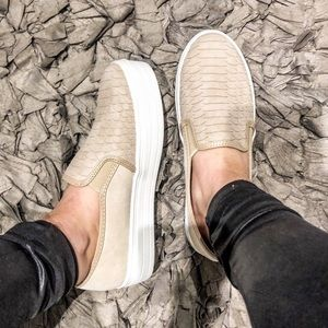 Shoes - NEW! Snakeskin Flatform Slip On Sneakers Taupe Tan
